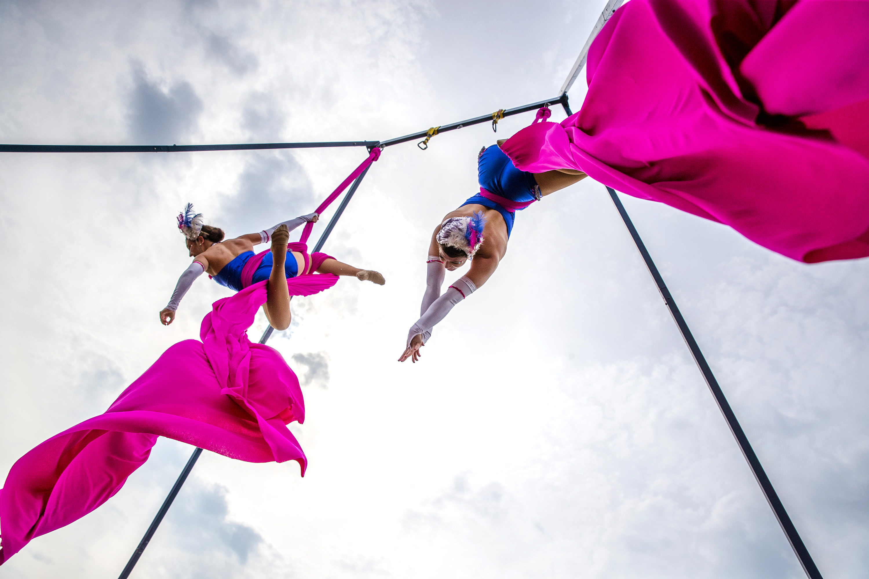 The Silver Starlets launch Laya Healthcare's City Spectacular. The all-female acrobatic duo bring their stunning performance to the festival in Cork.