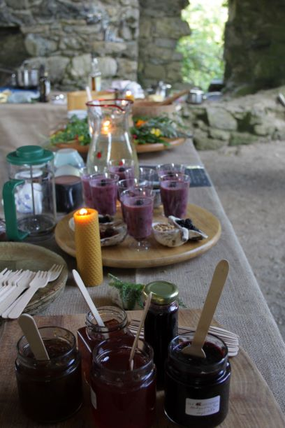 'feast' table close to what nature intended, adapted for 21st century tastes